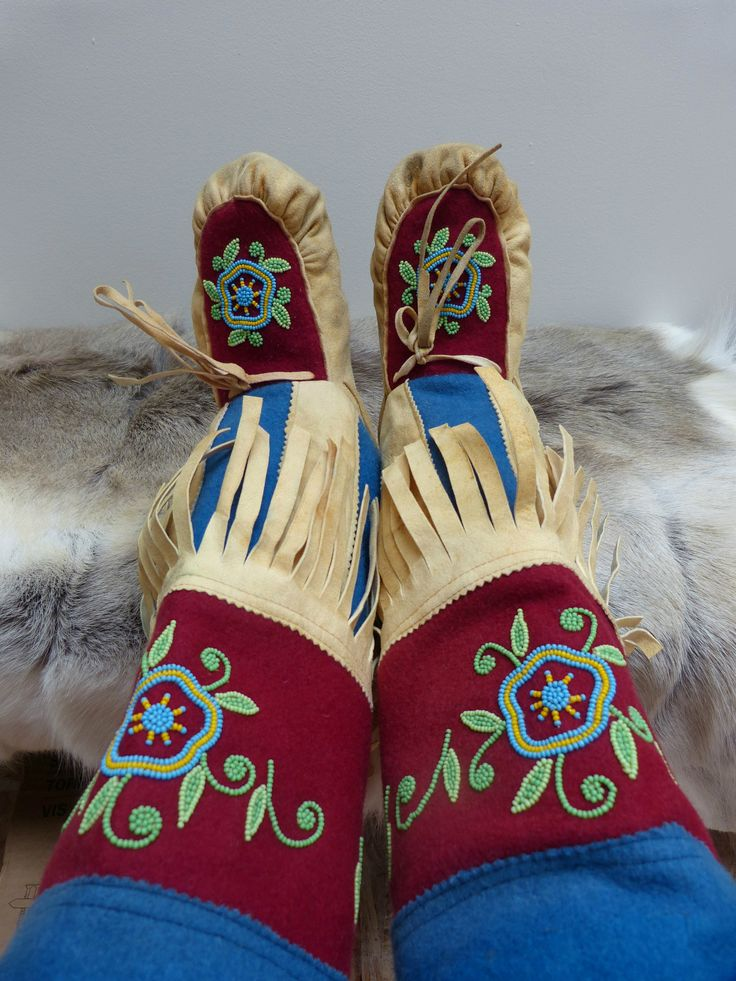 Traditional CREE Beaded Wool Deerhide Mukluks | eBay