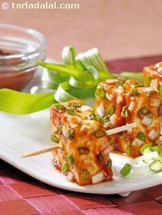Scrumptious, grilled paneer that is worthy of being classified as gourmet food! it is quite rich although made only with low-fat paneer, and should ideally be an occasional treat, not everyday fare.