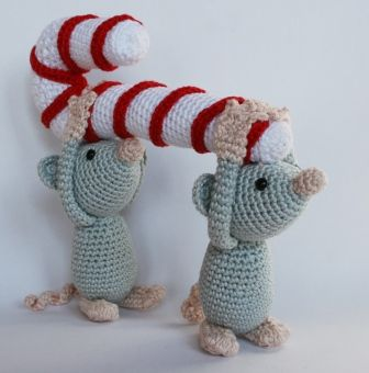 Christmas mice (crochet).... Love this ,