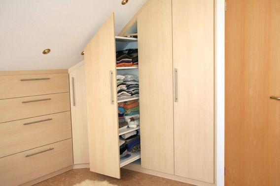 die besten 25 einbauschrank kniestock ideen auf pinterest einbau kleiderschrank. Black Bedroom Furniture Sets. Home Design Ideas