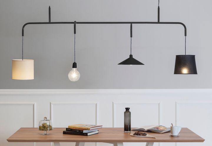 La sospensione progettata dal designer Paolo Manganaro per Formabilio che unisce elementi dalle forme diverse
