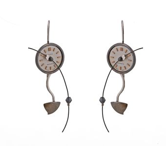 Handmade jewelry, silver hooks earrings made of oxidized silver 925o with vintage clock 15mm and Swarovski crystals - Χειροποίητο κόσμημα, σκουλαρίκια ασημένια 925ο γάντζοι με στρογγυλό vintage καντράν ρολογιού