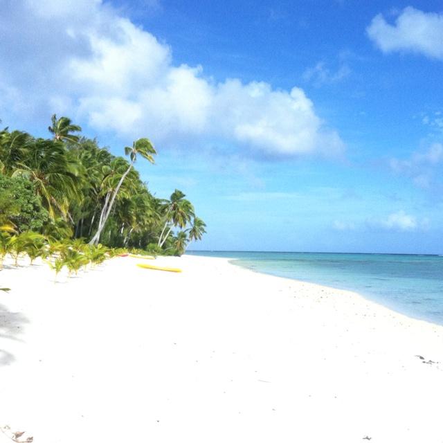 Beach in front of Tamanu Resort - Aitutaki, Cook Islands
