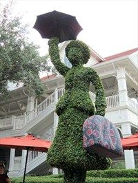 Mary Poppins, Grand Floridian - Disney World - Topiaries on Waymarking.com