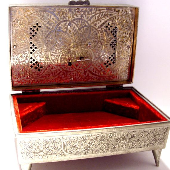 17 best images about a boxes silver on pinterest for Red velvet jewelry gift boxes