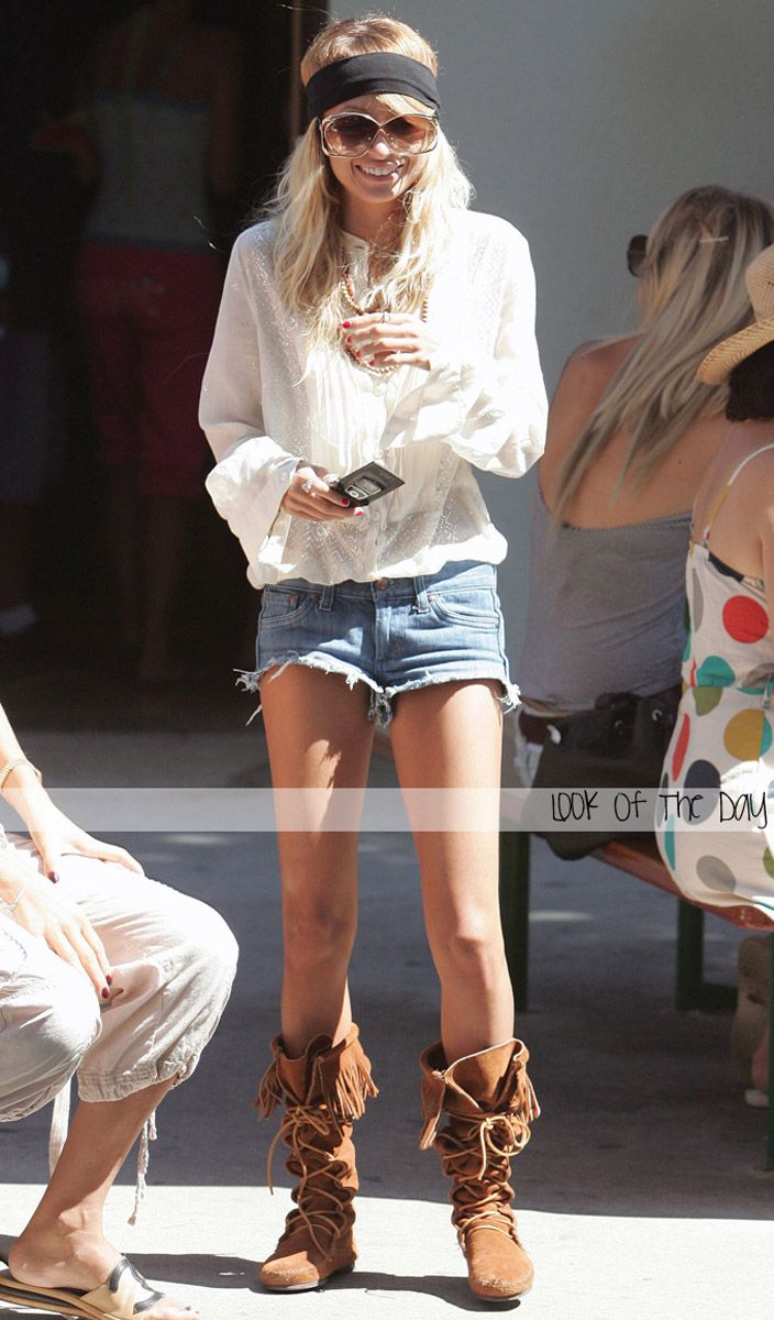 Nicole Richie style and Fashion. Love this type of tops.