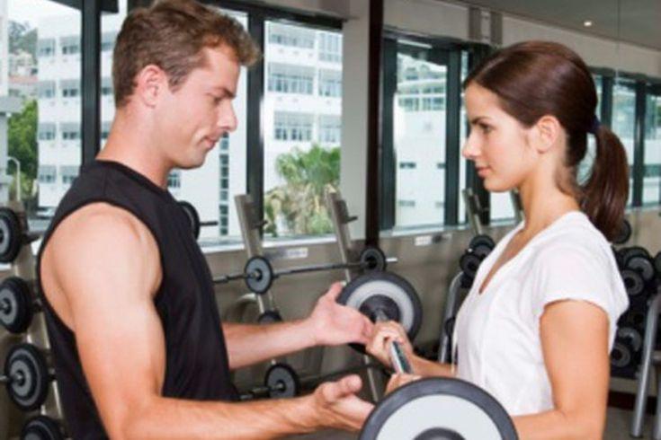 El mejor entrenamiento combinado para pérdida de peso. El entrenamiento combinado es una técnica de entrenamiento que consiste en varios tipos de ejercicios de cardio y fuerza. Mediante la selección de diferentes ejercicios y diseños de programas, puedes utilizar el entrenamiento de circuito para ...