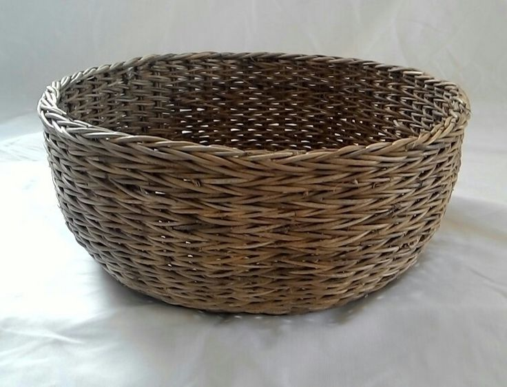 Round bowl Rattan basket.  By Hegar production made in Indonesia Cirebon. Pratama.hegar@yahoo.com