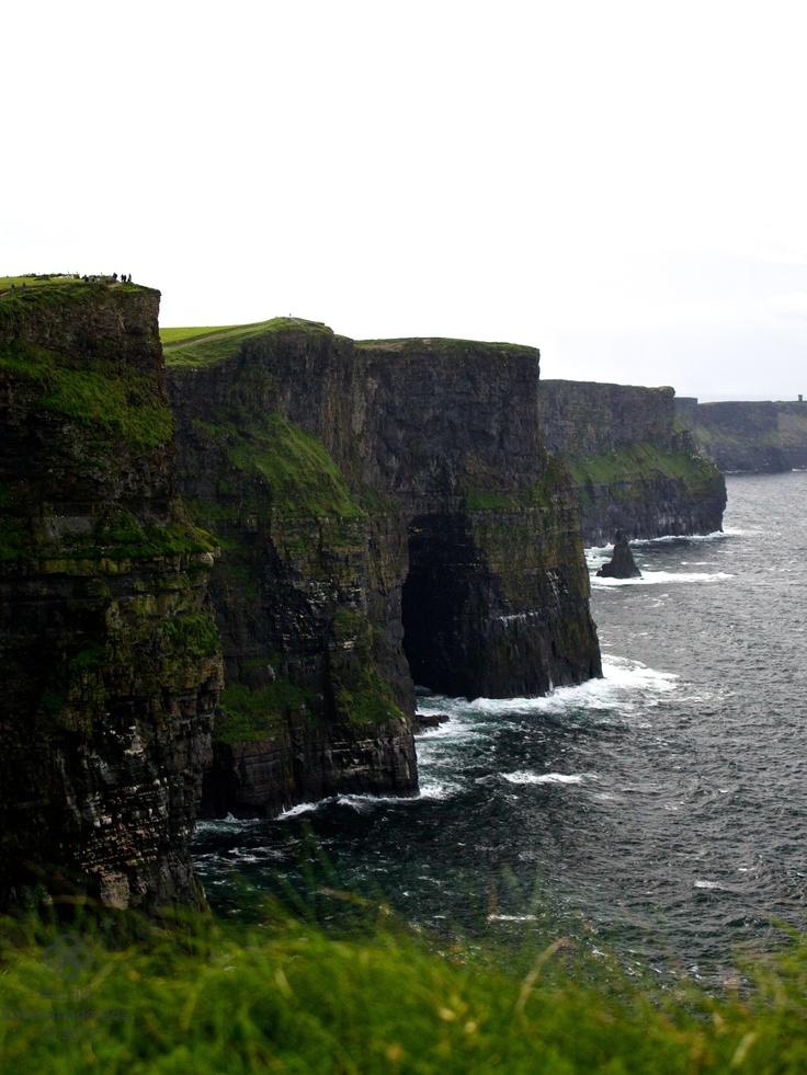 Cliffs of Moher    www.facebook.com/vasphotoca