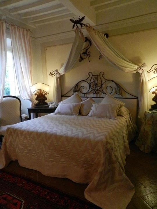 Room in the Villa, your room in Tuscany