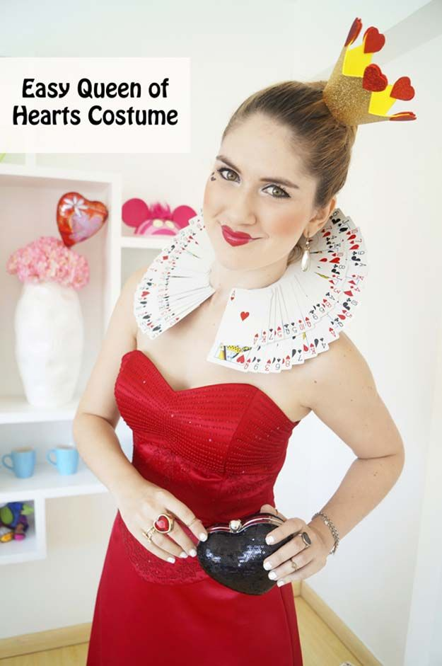 Best Last Minute DIY Halloween Costume Ideas - Queen Of Hearts - Do It Yourself Costumes for Teens, Teenagers, Tweens, Teenage Boys and Girls, Friends. Fun, Clever, Cheap and Creative Costumes that Are Easy To Make. Step by Step Tutorials and Instructions http://diyprojectsforteens.com/last-minute-diy-halloween-costumes