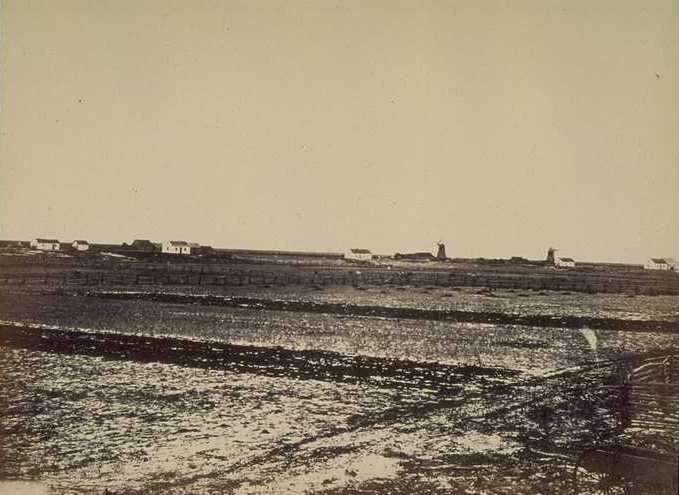 Humphrey Lloyd Hime. Photographs taken at Lord Selkirk's Settlement on the Red River of the North, to Illustrate a Narrative of the Canadian Exploring Expeditions in Rupert's Land.... London, 1860.