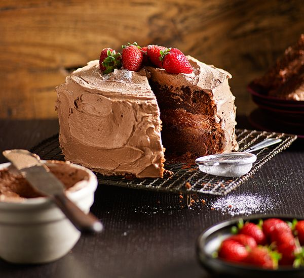 Easy chocolate cake: Everyone needs a chocolate cake in their repertoire – here's one for you that just happens to be perfect!