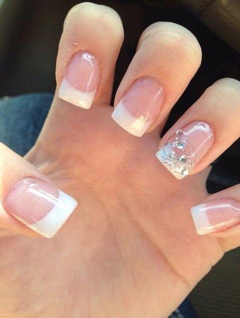 31 Ideas de Manicure Francesa para Novias para Inspirarte