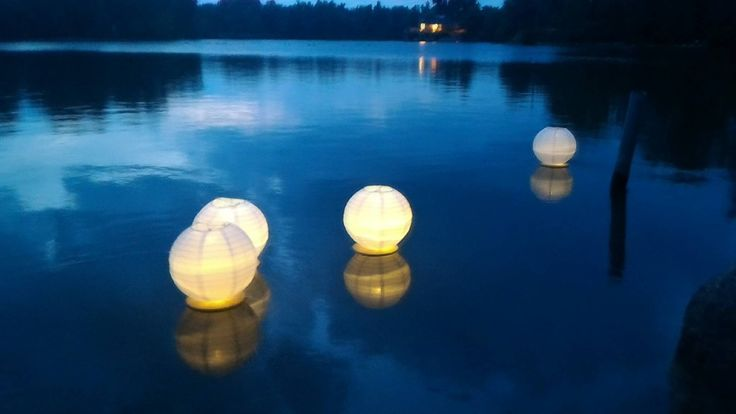 "Floating Paper Lanterns with 10"" White Paper lantern Led Light Included, Water Lanterns, Lake decor, Aisle Decor, Paper Lantern Centerpiece by Featherology2 on Etsy"