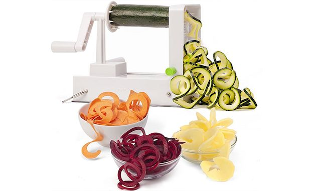 Have you used a Spiralizer? Do share with us your tips and tricks of this nifty gadget   Via @chowhound #howto #cookingtips