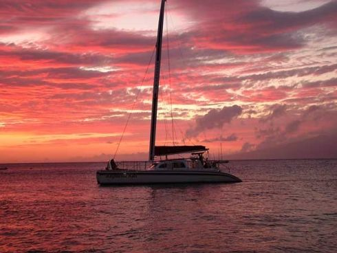 Sunset Cruises South Africa - There is no better way to end the day than with a sunset cruise. Time to relax and unwind. Most boat charter companies around South Africa offer sunset cruises.