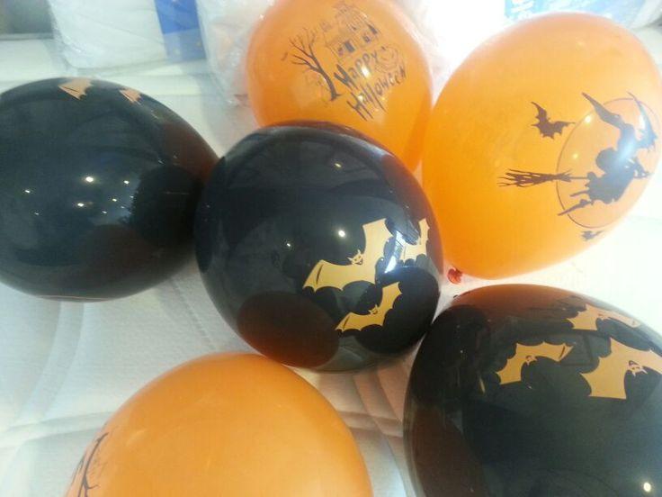 Todos los peques que se acerquen hoy a nuestras instalaciones se podrán llevar de regalo* un globo especial de Halloween.  (*Hasta agotar existencias).