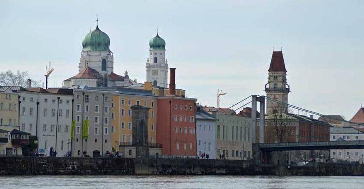 Eine Liebeserklärung an die Drei-Flüsse-Stadt - 15 Passauer über ihre Heimat http://www.focus.de/regional/passau/blog-mosi-unterwegs-passau-m-eine-momentaufnahme_id_5604770.html