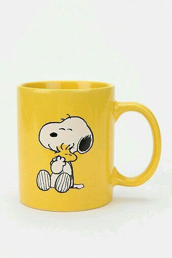 LOVE Snoopy and Woodstock on this bright and sunny yellow coffee mug.