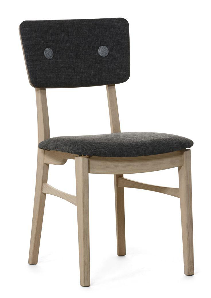 Sarek stol med klädd sits. Välj mellan fast eller avtagbar klädsel.