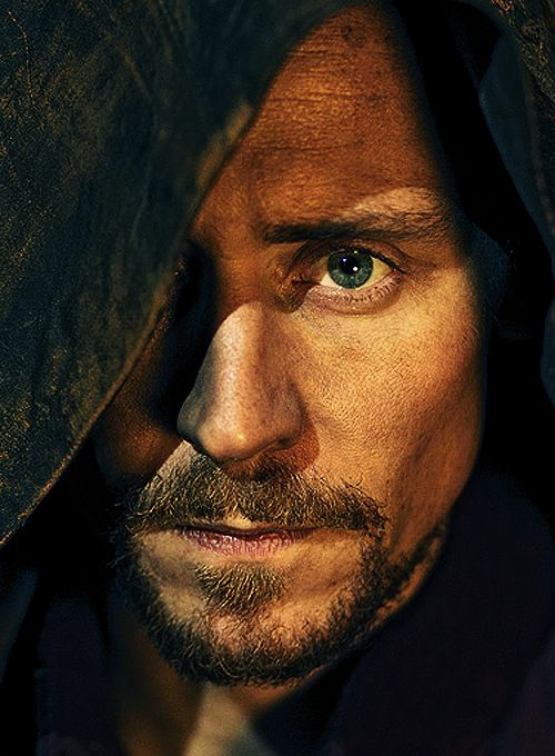 That moment where you realize that if Tom Hiddleston is a Sith Lord in the next movie you'll turn to the dark side...