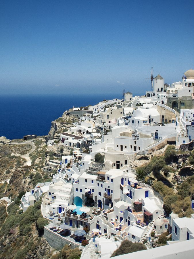I believe that Greece has the prettiest architecture in the world but I have not been there...