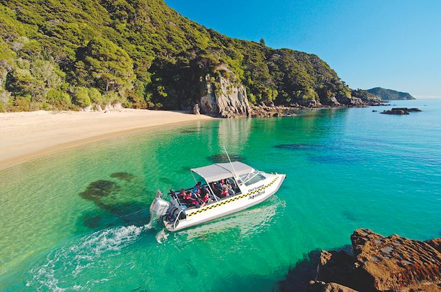 Abel Tasman National Park in Nelson, New Zealand #travel #photography #newzealand #beautiful #nelson #beach #summer #boat #blue #fun #amazing