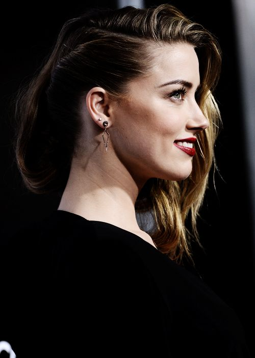 Amber Heard's hair at the premiere of 3 Days to Kill - sideview