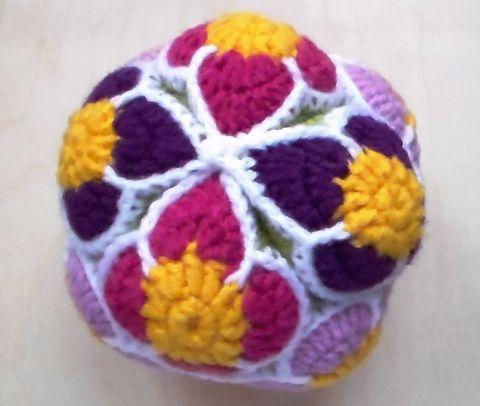 Horgolt virágos baba Puzzle labda, Játék, Készségfejlesztő játék, Meska