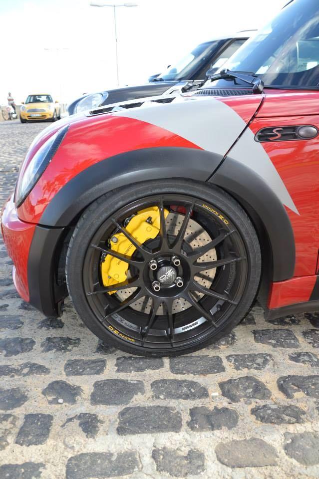 "Ultraleggera 18"" on Mini Cooper s jcw, nice Porsche calipers too!"