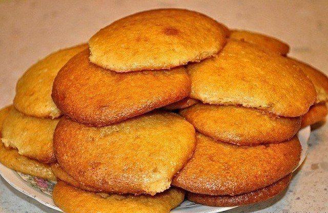 печенье на завтрак с кофе/3290568_zagryjennoe_2 (640x416, 83Kb)