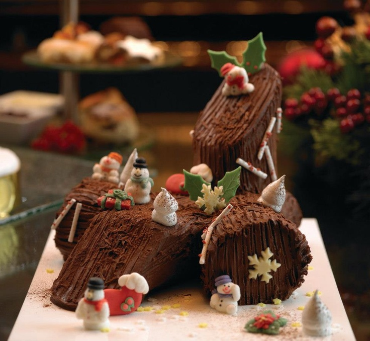 Celebrate the season with a slice of @Four Seasons Hotel Singapore's classic Yule log cake. #FSTaste