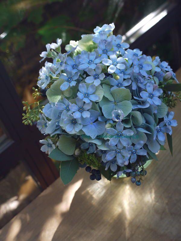 小さめのクラッチブーケ ブルースターと秋色アジサイ : 一会 ウエディングの花