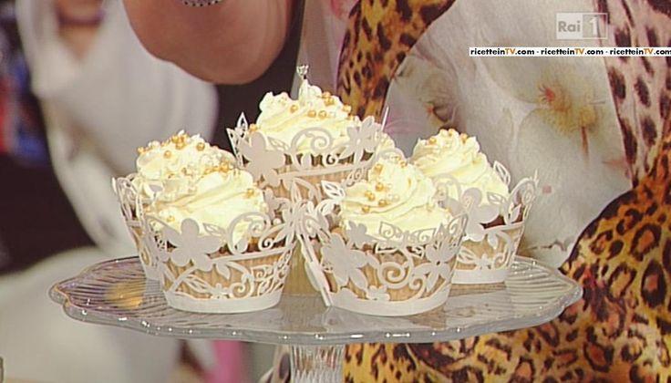 Cupcakes con crema al burro e cioccolata bianca