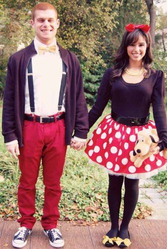 ずっと仲良しでラブラブなキャラクター、ミッキー&ミニーのカップル用コスチューム♡ミッキー&ミニーのコスチュームで可愛らしいハロウィンを♡手作りでもできるかも?
