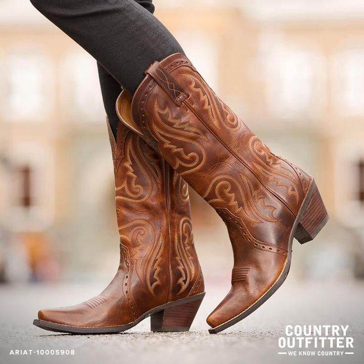 Cowgirl boots cuteee!
