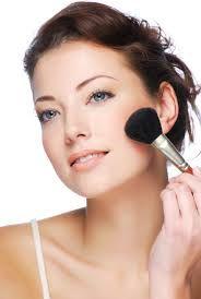 bij rouge aanbrengen is het belangrijk dat je de vorm van je gezicht weet.