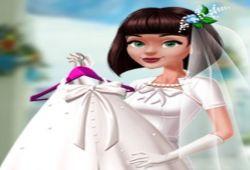 Pronto llegará la boda y todavía sin vestido de novia. En este juego de bodas tienes que vestir a la novia con elegantes vestidos de novia. Rebusca en el ropero y elige un bonito vestido, combinado con diferentes atuendos matrimoniales. No te puedes imaginar la gran cantidad de diferentes ropas de bodas.