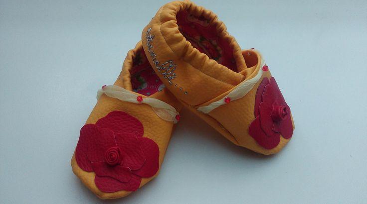 Chaussons en cuir souple modèle Belle et la Bête Bébé : Mode Bébé par fee-a-la-main