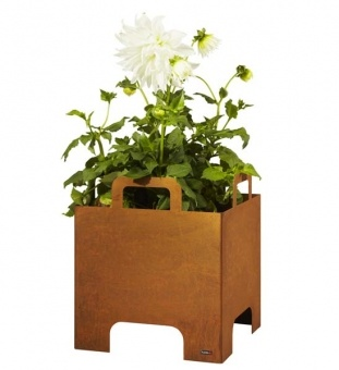 planters made of corten steel - this year one of the big trends in gardening...