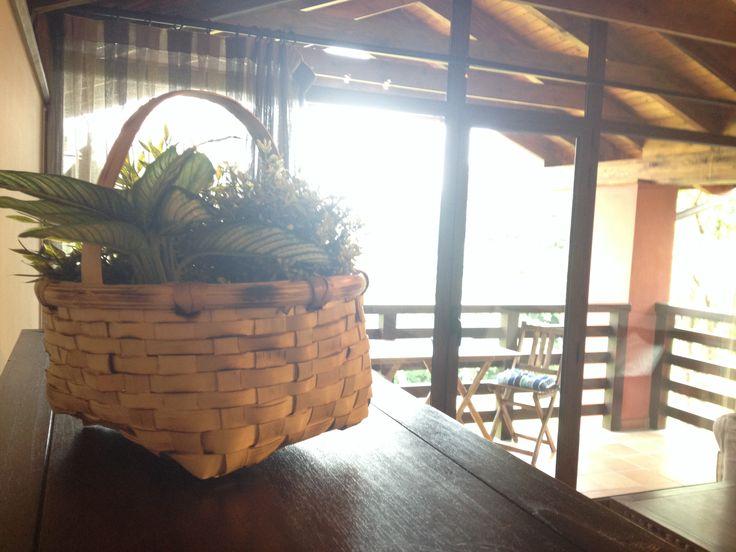 """""""Los cestos de Emo"""": Detalles del salón. www.elllugar.com - Asturias - TurismoRural"""