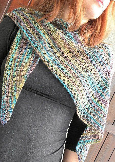 Impariamo a realizzare il Sansi Shawl, un meraviglioso scialle dalla forma triangolare perfetto per tanti look!