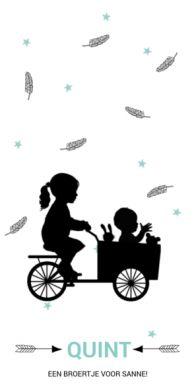 Geboortekaartje silhouette zus met baby jongen in bakfiets