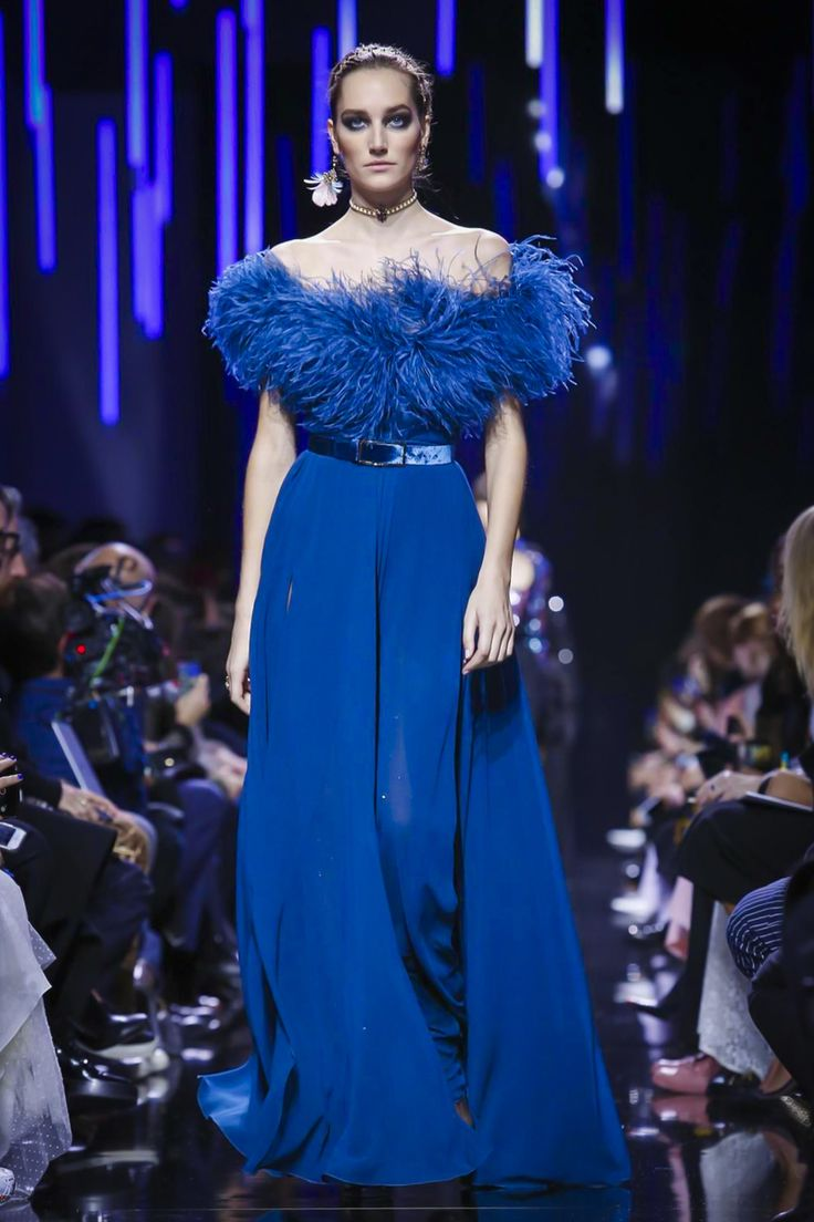 Elie Saab Fashion Show Ready to Wear Collection Fall Winter 2017 in Paris