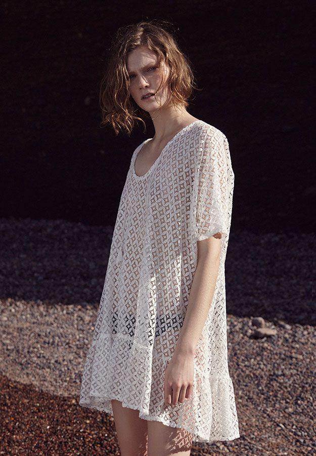 Short crochet dress with frilled hem and short sleeves - OYSHO.com