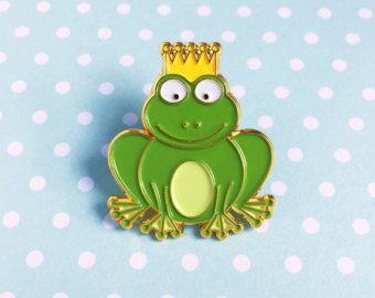 Principe ranocchio smalto Pin - verde froggy corona reale simpatico cartone animato animale con revers
