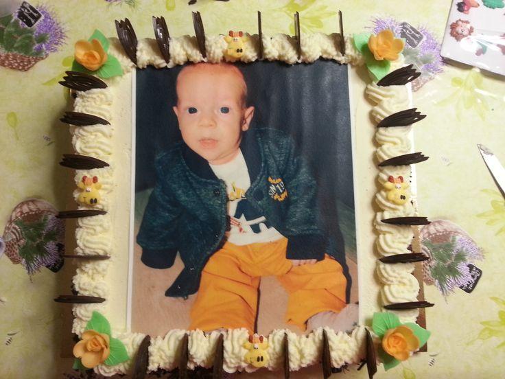 sugar photo spongecake #babyborrel #babyshower #boy #sugarphoto #giraffe #yeloow #spongecake #biscuit #whippedcream #chocolat #babyboy #itsaboy #giraf