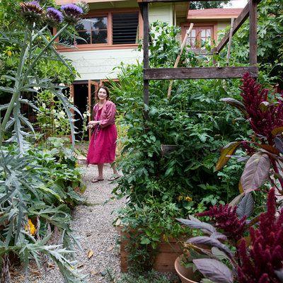 Front Yard Edible Garden Ideas 129 best edible gardening images on pinterest   edible garden