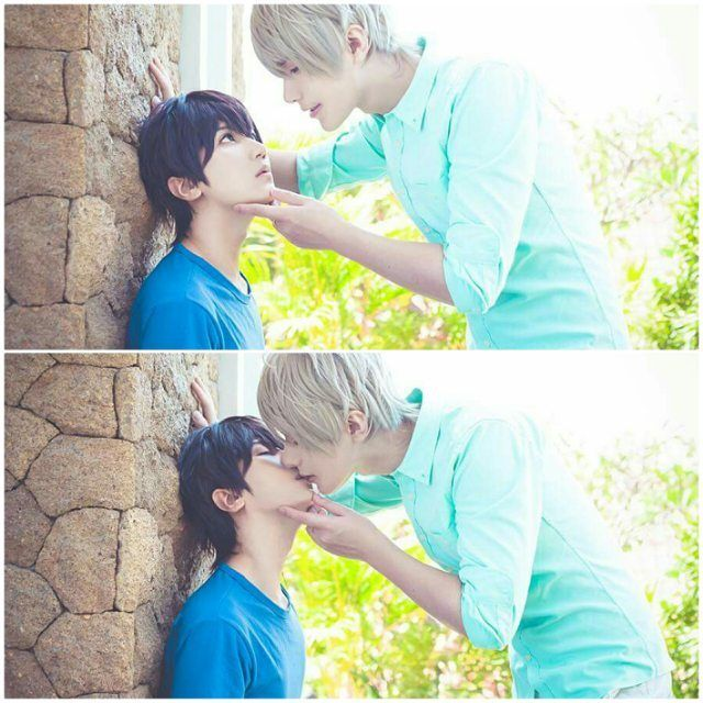 || 24.06.16 || Facebook Update || #superlovers Haru cn Baozi Ren cn Hana photo Aki 壁咚kiss~❤️ 一如既往地蹲的很辛苦…然后,非常不好意思一往上看眼神有点太纯情……… [Trans] Kabe-don kiss ~♥ As always it is a struggle to squat for quite some time....and sorry that my gaze is a bit too pure and innocent (for Ren) when I looked up.....